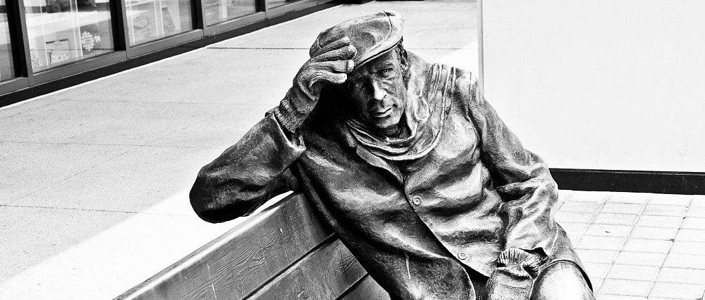 Glenn Gould Statue